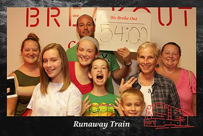 escape game family photo
